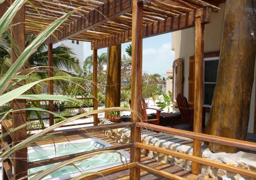 cayes-Solaria-II-resort-hot-tub