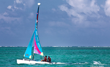 on-the-water-belize-sailing