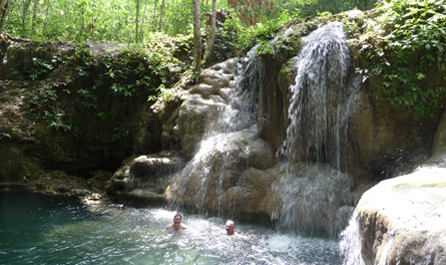 Green-Blue-Tailor-Made-belize-waterfall-adventure