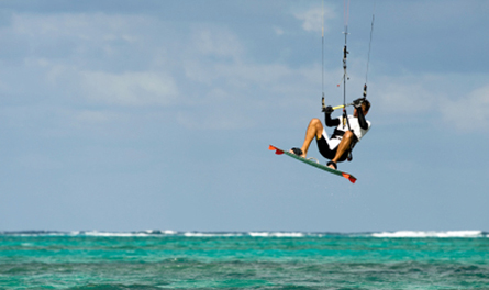 Adrenaline-Addict-Tailor-Made-kite-surfing