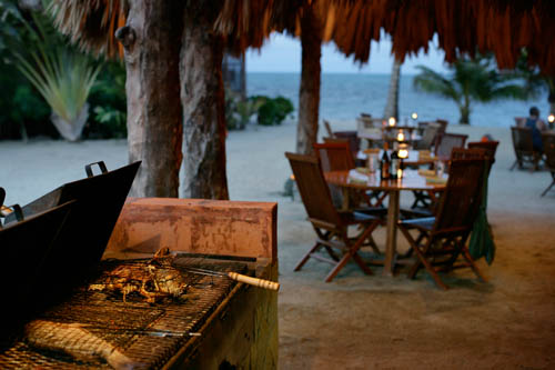 southern-belize-turtle-inn-resort-beach-bar