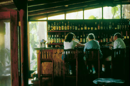 cayo-district-Blancaneaux-resort-jungle-bar