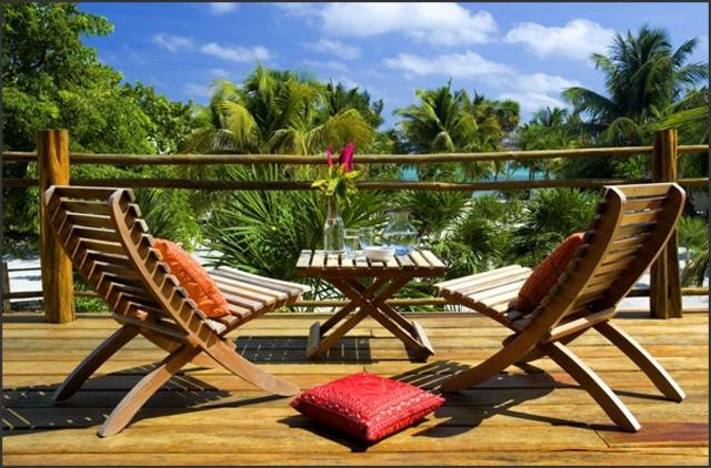 cayes-laperla-resort-balcony