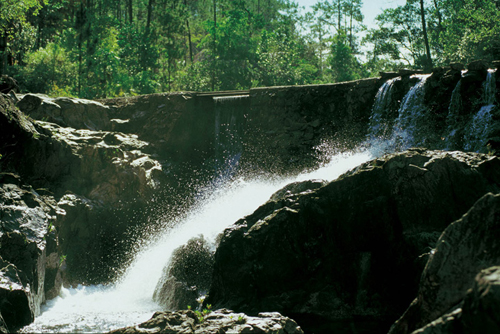 cayo-district-Blancaneaux-resort-waterfall