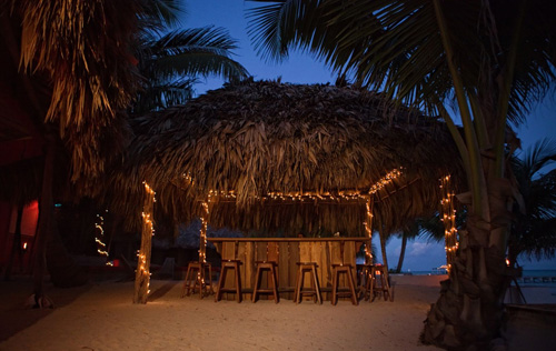 Belize-rojo-lounge-bar