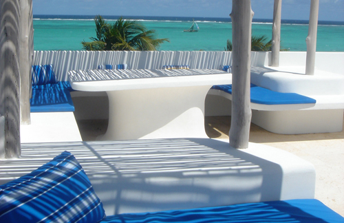 cayes-azul-belize-rooftop