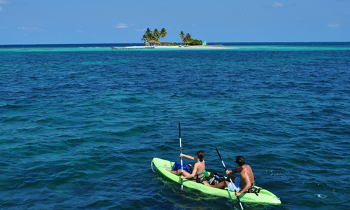 belize-luxury-sailing-vacation-kayaking