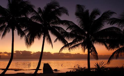 belize-luxury-sailing-vacation-boats-journeys-sunset
