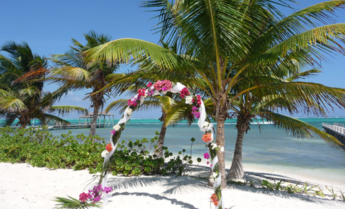 Cayes-Sundiver-Resort-Beach-Wedding