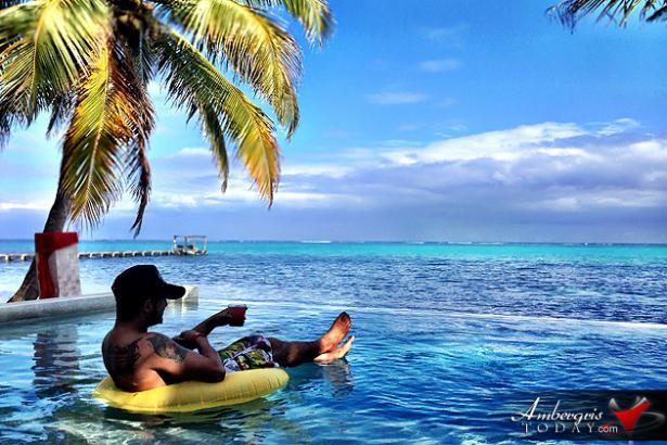 poolside-rojo-beach-bar-absolute-belize-vacation-package-luxury