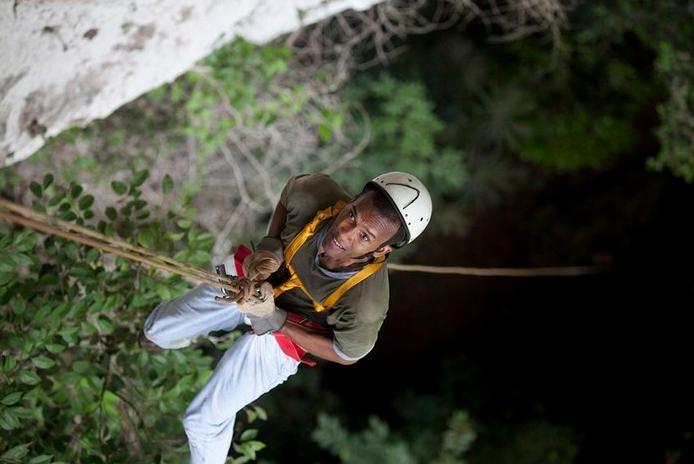 caves_black_hole_drop_Belize_cavesbranchh