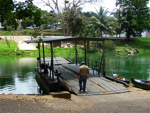 River crossing, Cayo
