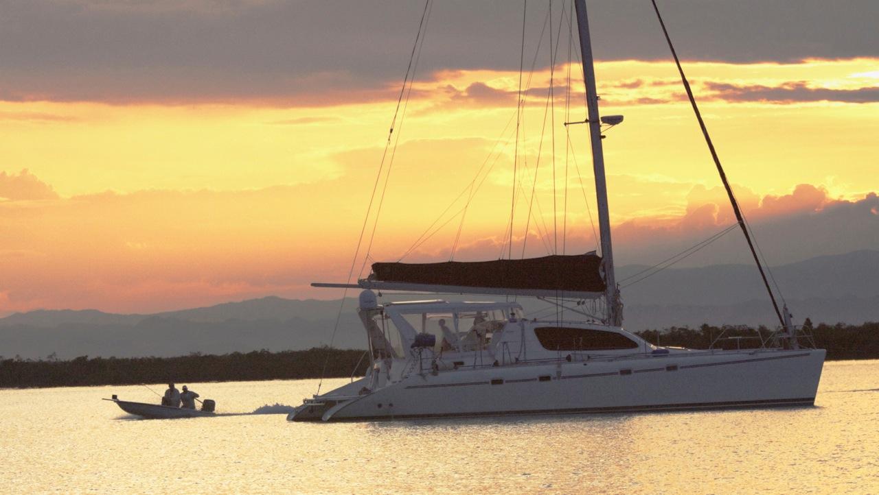 palometa_boat_belize_sailing
