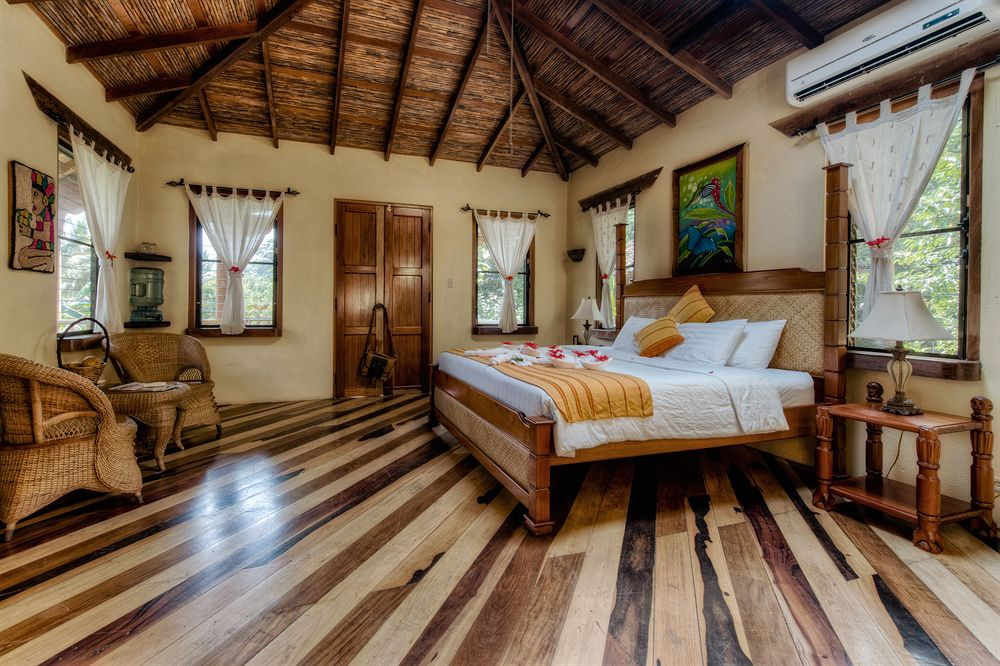 sleepinggiant_rainforest_resort_lodge_belize_room1