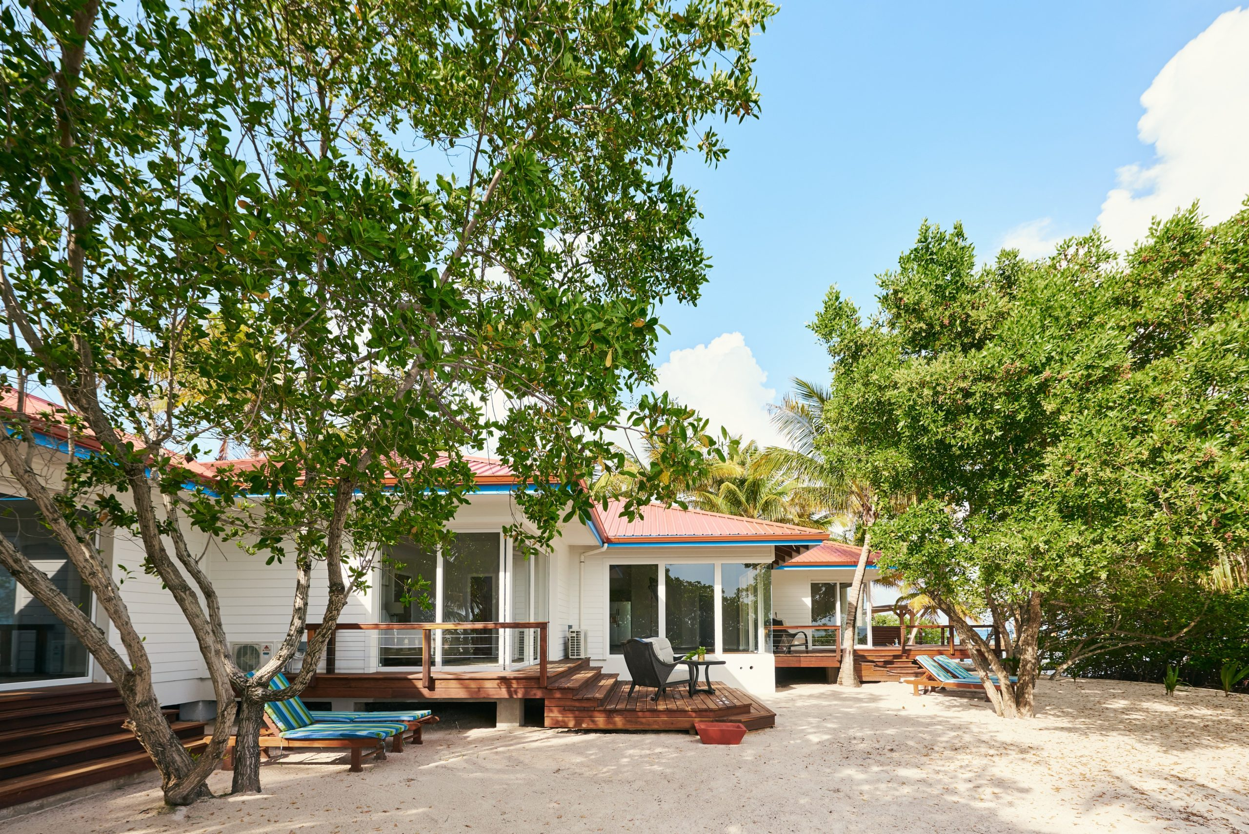 Ray Caye Accommodations